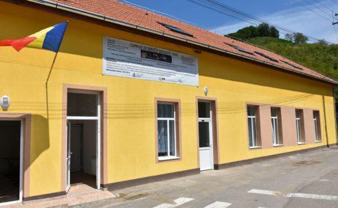 """Centrul educativ """"Casa din Munte"""" Strungari"""